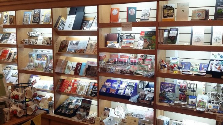 The newly lit shop display at Nantwich Museum 1024